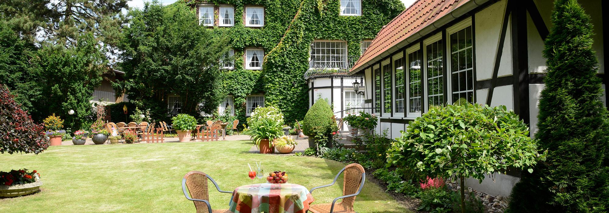 GutHoeing_Aussenansicht-Garten