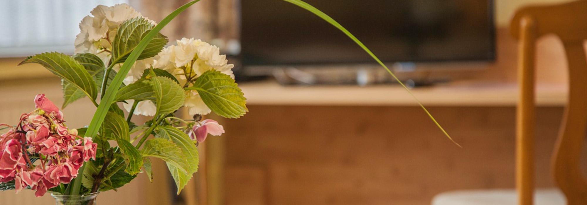 GutHoeing_Zimmer-mit-Blumen